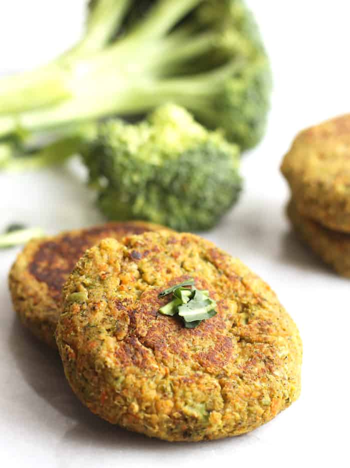 "vegam brocoli ""cheese"" chickpea burgers"